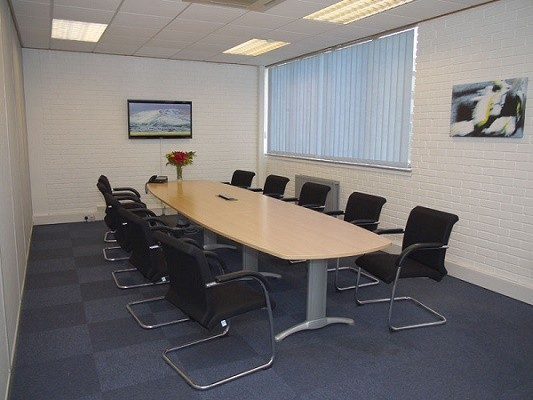 Woodthorpe Road TW15 office space – Meeting/Boardroom.