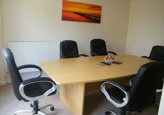 Thames Street KT13 office space – Meeting/Boardroom.