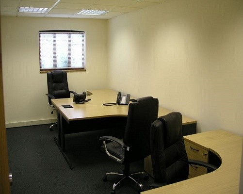 Malthouse Lane TW20 office space – Private Office (different sizes available).