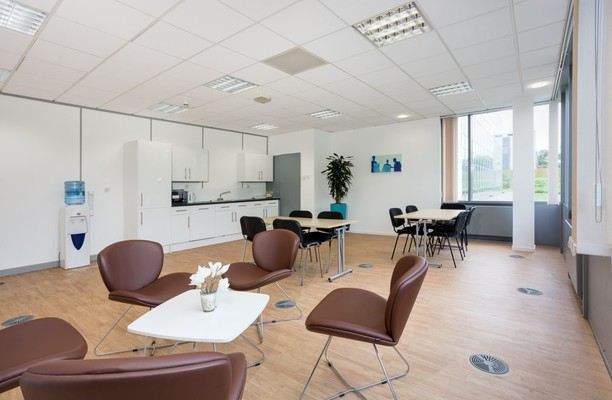 Alba Campus EH54 office space – Kitchen