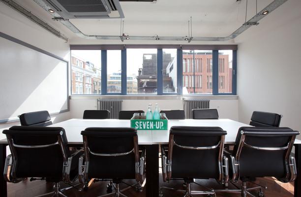 Old Street EC1 office space – Meeting/Boardroom.