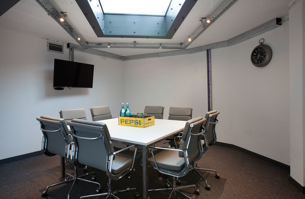 Shoreditch High Street EC1, EC2 office space – Meeting/Boardroom.