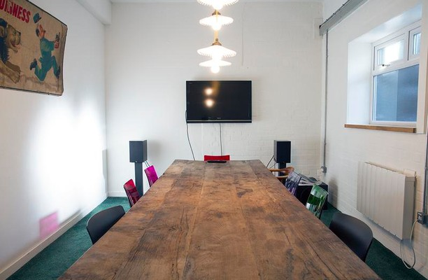 The Oval E8 office space – Meeting/Boardroom.