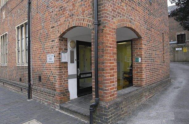Spicer Street AL1 office space – Building External