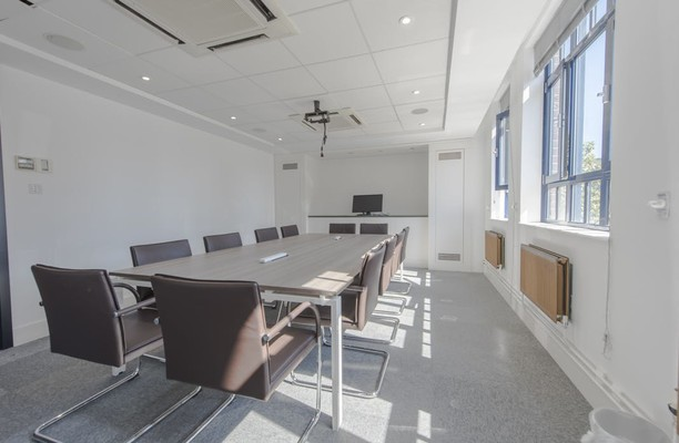 Neal Street WC2 office space – Meeting/Boardroom.