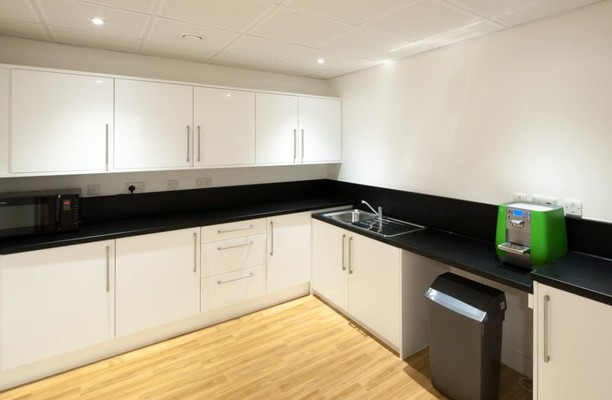Bridge Road RH16, RH17 office space – Kitchen