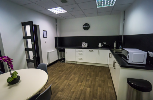 Clark Street PA1 - PA3 office space – Kitchen