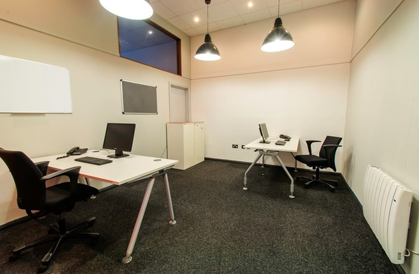 Thames Industrial Park RM18 office space – Private Office (different sizes available).