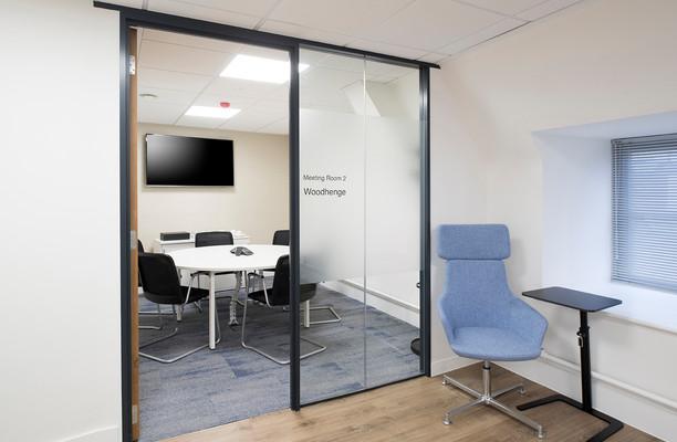 Queen Street SP1 office space – Meeting/Boardroom.