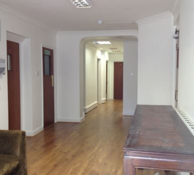 High Street WD6 office space – Hallway