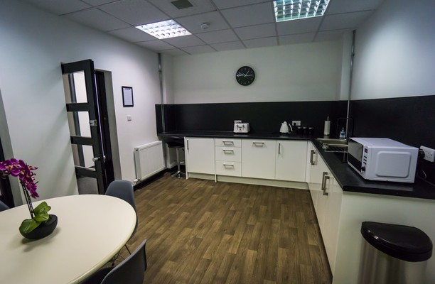 Fullarton Road G1 office space – Kitchen