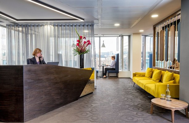 Victoria Street SW1 office space – Reception