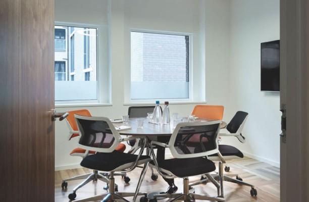 Harp Lane EC4 office space – Meeting/Boardroom.