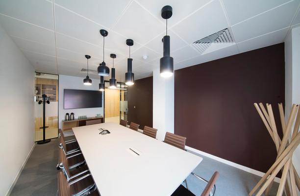 Trafalgar Place office space – Meeting/Boardroom.
