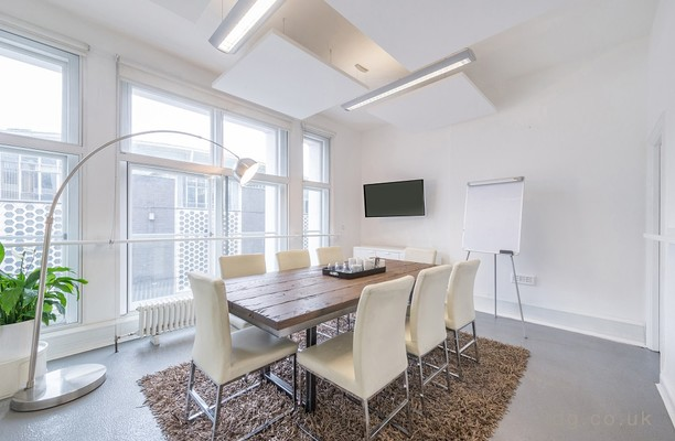 Charterhouse Street EC1 office space – Meeting/Boardroom.