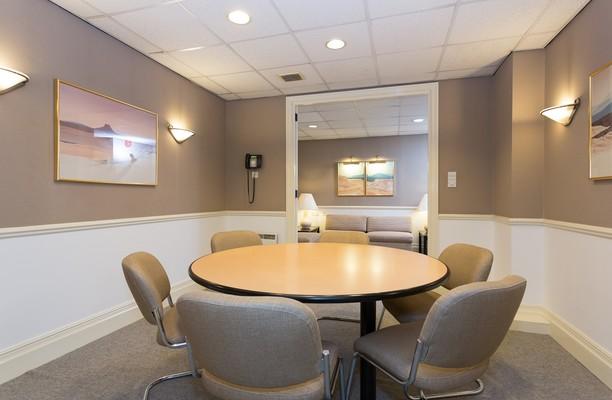 Rosemount Viaduct AB10 office space – Meeting/Boardroom.
