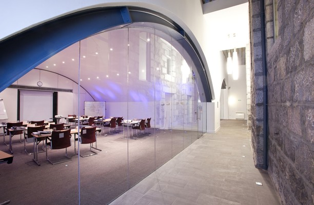 Rosemount Viaduct office space – Meeting/Boardroom.