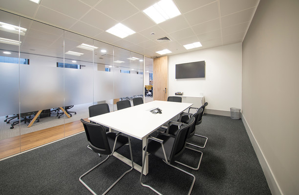 Mann Island L2 office space – Meeting/Boardroom.