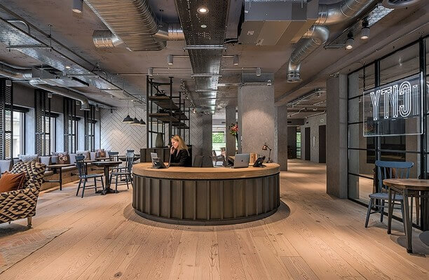 Bush Lane EC4 office space – Reception