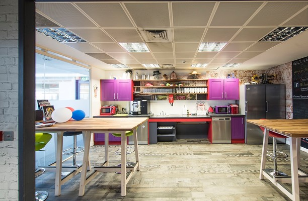 Basing View RG21 office space – Kitchen