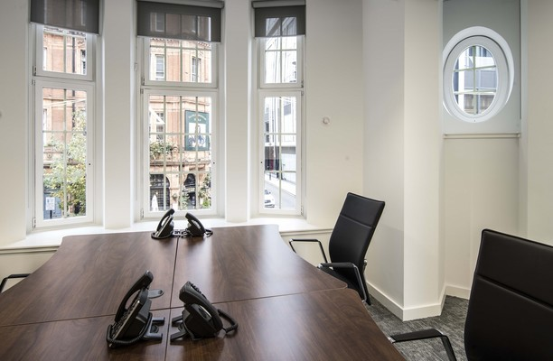 North Audley Street W1 office space – Private Office (different sizes available).