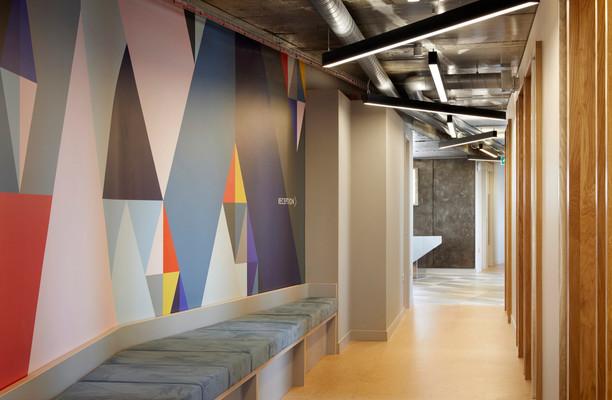 Suffolk Street Queensway B4 office space – Hallway