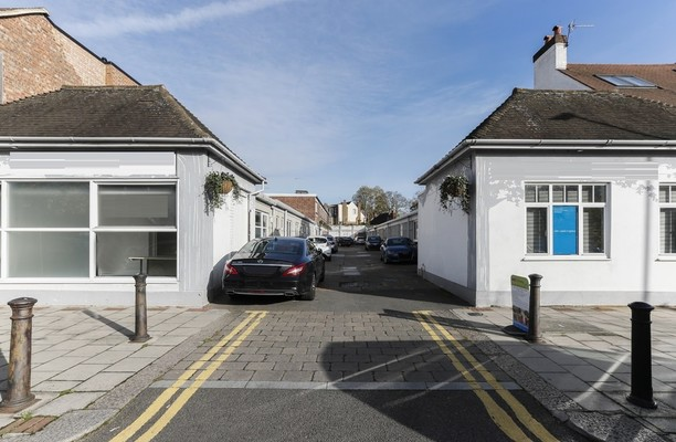 Sutton Court Road W4 office space – Building External
