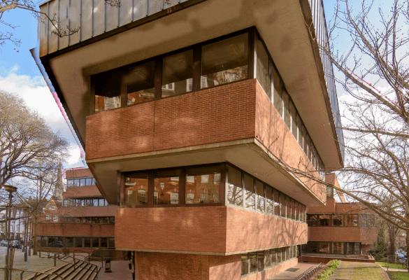 Holland Street W8 office space – Building External