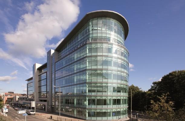 High Street RH1 office space – Building External