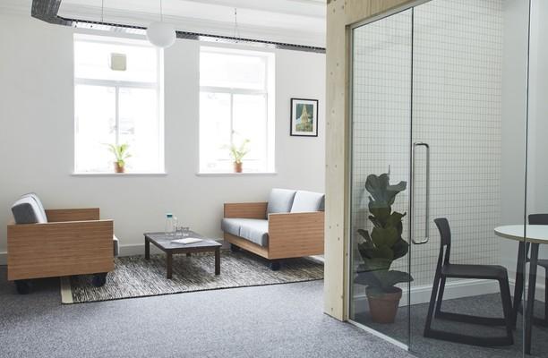 Oxford Street W1 office space – Hallway
