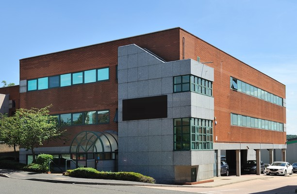 Green Street Green Road DA1, DA2 office space – Building External