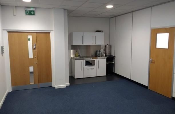 Park Street WS1 - WS10 office space – Kitchen