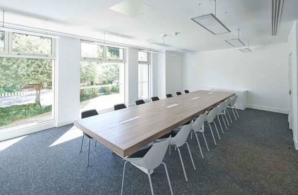 The Grove SL1, SL6 office space – Meeting/Boardroom.