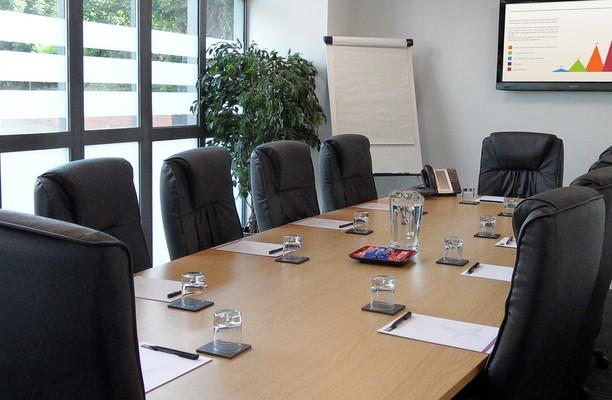 Bruton Way GL1 office space – Meeting/Boardroom.